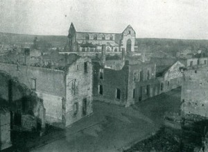 Durch Somme-Py ging es auch - völlig zerstört in der Schlacht  vom Februar/März  1915. CC-BY-SA 3.0