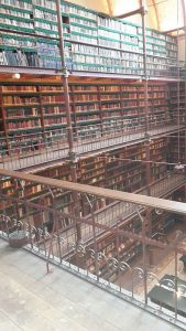 Rijksmuseum Research Library Galerie Blick nach links