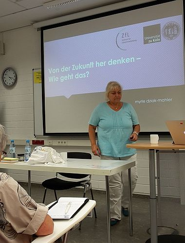 Workshopbeginn mit Myrle Dziak-Mahlerbie #future19