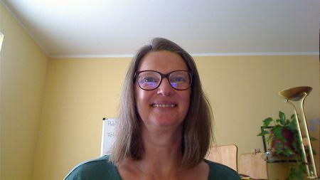 Heike Baller bei einem Online-Meeting in neuer Umgebung